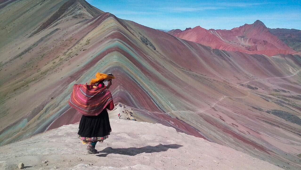 turismo excurcion montaña de colores