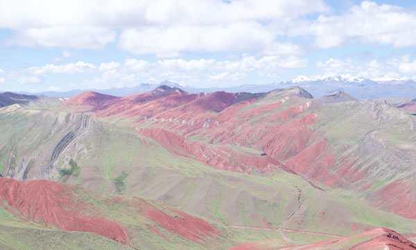 Turismo y Excursiones en la Montaña Siete Colores