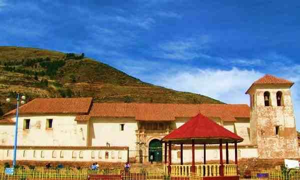 Templo Colonial de Checacupe