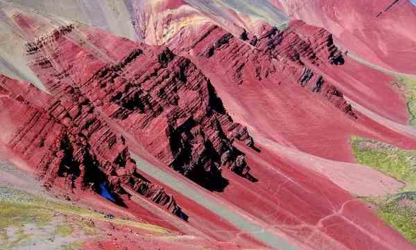 valle rojo cusco